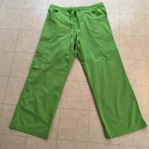 5db5cfae43a CROCS Pants - CROCS Lime Green Scrub Pants - Size Medium/Petite